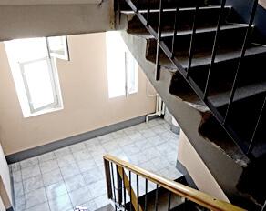 Kako narediti uk spremeniti okna v stopnišču
